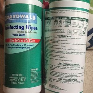 4 disinfecting wipes